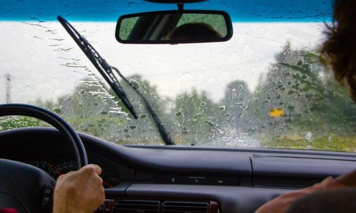 sete dicas condução à chuva.